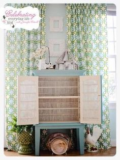 How to Paint with Annie Sloan Chalk Paint {a tutorial}, ASCP Provence & Old White by marian
