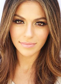 15 Gorgeous Makeup Ideas & Looks For Brown Eyes | FashionsPick.com