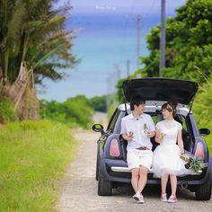#ミニクーパー に乗って #石垣島 らしい小道で 車を停めて休憩 この場所は僕が島中を探し回って ついに見つけた理想の道路笑 道の先に青い海がある景色 最高っ 石垣ブルー #プレ花嫁 #日本中のプレ花嫁さんと繋がりたい #結婚式準備 #ドレス試着 #前撮り#ウェディングフォト#ロケーションフォト#ウェディングドレス #weddingtbt #沖縄 #沖縄ウエディング #リゾート婚