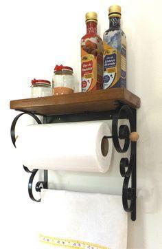Porta-Rolo e Porta-Pano De Cozinha Wood Decor, Kitchen Inspirations, Kitchen Design Small, Wrought Iron Decor, Diy Kitchen Storage, Interior Furniture, Home Organization Hacks, Iron Decor, Kitchen Decor Collections