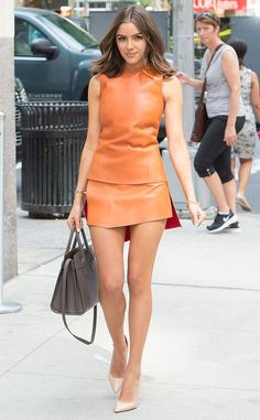 Olivia Culpo in a sleek orange Leather Dress Outfit Olivia Culpo, Look Fashion, Fashion Outfits, Womens Fashion, Steampunk Fashion, Gothic Fashion, Celebrity Outfits, Celebrity Style, Sexy Dresses