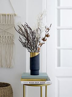 Skandinavische Einrichtung: Jede Menge Inspiration von der dänischen Marke Bloomingville. Rattan, Makramee, Planter und japanische Handwerkskunst in Form von Keramik und Glas.