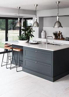 Open Plan Kitchen Living Room, Kitchen Dining Living, Diy Kitchen, Kitchen Decor, Kitchen Lamps, Kitchen Lighting, Kitchen Ideas, Table Lighting, Modern Lighting