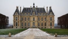 Google Image Result for http://www.jigsawexplorer.com/puzzles/subjects/french-castle-500x290.jpg