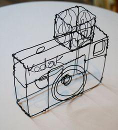Draht-Skulptur eines alten Kodak-Kamera von JaneTilleyWire auf Etsy