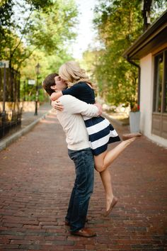 Love this striped skirt for engagement photos! Photo by Spindle Photography. www.wedsociety.com #engagement #outfit