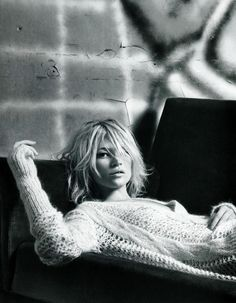 Kate Moss by Patrick Demarchelier for Vogue China, September 2010, 5th Special Anniversary Edition もっと見る