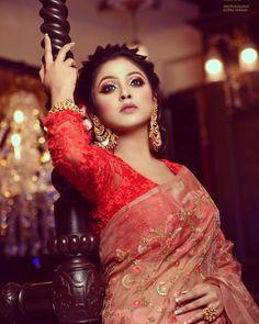 Beauty Full Girl, Beauty Women, Amazing Dp, Bengali Bridal Makeup, Girls Dp Stylish, Fashion Photography Poses, Indian Bollywood Actress, Indian Beauty Saree, India Beauty