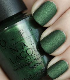 green nails in matte