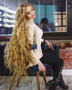 The next Rapunzel for the day is Our site is dedicated to the celebration of beautiful long hair. If you have long hair… Long Silky Hair, Silky Smooth Hair, Long Curls, Long Curly Hair, Big Hair, Curly Hair Styles, Really Long Hair, Super Long Hair, Beautiful Long Hair