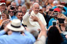 Em dia de votação no Senado, papa pede 'paz e harmonia' no Brasil - 11/05/2016 - Poder - Folha de S.Paulo