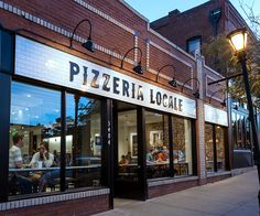 Chipotle-Backed Pizzeria Locale Expands to Kansas City Pizzeria Design, Pizza Restaurant, Entrance Design, Facade Design, Restaurant Exterior Design, Pizza Store, Pizza Chains, Restaurant Concept, Restaurant Layout