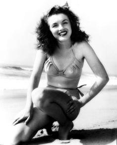 MARILYN MONROE~Norma Jeane by Andre de Dienes, 1945.
