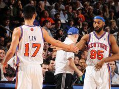 Jeremy Lin checks out, Baron Davis checks in