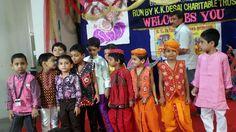 Are...Halo Halo...   Boys enjoying Navratri  #Boys #Navratri #Enjoying