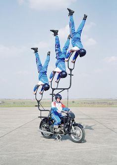 Acrobat Squad . Thomas Mailaender