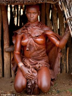 Woman from Omo Valley, Ethiopia Religions Du Monde, Cultures Du Monde, World Cultures, Tribal People, Tribal Women, African Tribes, African Women, Ethiopian People, Tough Woman