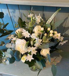 "Kate Finegan Floral Design op Instagram: ""Tina's wintery white bridesmaids bouquet #floristsofinstagram #whiteflowers #whiteweddingflowers #weddingflorist #katefineganfloraldesign"" Bridesmaid Bouquet White, Bridesmaids, White Wedding Flowers, White Flowers, Veronica, Floral Design, Floral Wreath, Wreaths, Instagram"