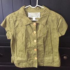 Short sleeve cardigan/shrug Gorgeous green top that is so versatile and stylish! Tops Blouses
