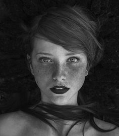 Black and White Portrait Photography: Expert Advice That Helps You Succeed – Black and White Photography Self Portrait Photography, Photo Portrait, Portrait Images, People Photography, Girl Photography, Amazing Photography, Fashion Photography, Photography Ideas, Beauty Portrait