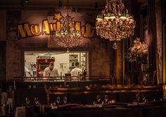 Mon Amie Maxi: In Frankfurt mondän französisch tafeln. Die französische Brasserie und Oyster-Bar hat sich gerade selbst noch einmal neu erfunden. Und zwar mit einem kompletten Makeover des Restaurants.
