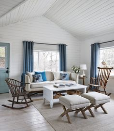 Big idea: To make tight quarters feel more cohesive, use one accent color throughout the house.   - HouseBeautiful.com
