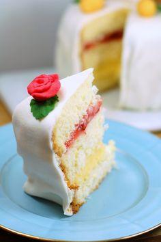 Påsktårta | Söta saker Vanilla Cake, Desserts, Food, Tailgate Desserts, Deserts, Essen, Postres, Meals, Dessert