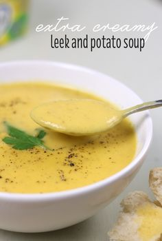 Extra creamy leek and potato soup – Easy Cheesy Vegetarian Soup Recipes, Vegetarian Recipes, Cooking Recipes, Thermomix Soup, Fat Burning Soup, Potato Leek Soup, Soup Appetizers, Homemade Soup, Easy