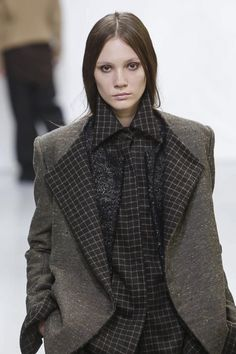 Moon Young Hee Ready To Wear Fall Winter 2014 Paris - NOWFASHION