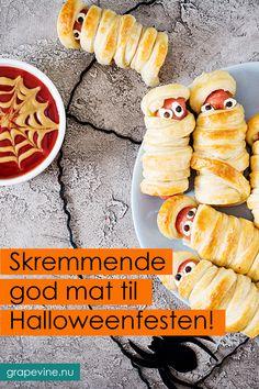 Skremmende god mat til Halloweenfesten! Halloween Snacks, Halloween 2019, Halloween Crafts, Halloween Decorations, Food Centerpieces, Partys, Cute Food, Hot Dog Buns, Finger Foods