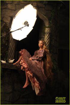 Real Life Disney Princess Portraits | テイラー「red」!あの恋は炎赤。失恋真青 ...