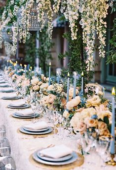 Wedding centerpieces are one of the key positions of the wedding decor. The most impressive, of course, are the floral wedding centerpieces. Pastel Wedding Colour Theme, Floral Wedding, Wedding Flowers, Bouquet Wedding, Theme Nature, Dusty Blue Weddings, White Weddings, Deco Table, Wedding Planning