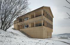 Doppelhaus in Siebnen by Baumann Roserens Architekten, Zürich