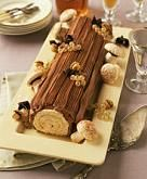 Yule log  Recipe: http://www.the-pregnancy.net/buche-de-noel-yule-log.html   Anni, we need to make this!!
