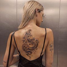 Red Ink Tattoos, Dope Tattoos, Pretty Tattoos, Mini Tattoos, Body Art Tattoos, Beautiful Back Tattoos, Tatoos, Spine Tattoos For Women, Dragon Tattoo For Women