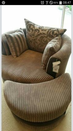 Merveilleux Cuddle Chair