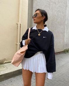 80s Fashion, Look Fashion, Korean Fashion, Tennis Fashion, Hippie Fashion, Classy Fashion, Fashion Today, Fashion Hair, Fashion Images