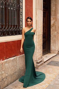 Larena - Emerald Larena - Emerald Mermaid Gown with Off-Shoulder. , Larena - Emerald Larena - Emerald Mermaid Gown with Off-Shoulder. Elegant Dresses, Beautiful Dresses, Formal Dresses, Wedding Dresses, Lace Wedding, Dinner Gowns, Evening Gowns, Gala Dinner, Mermaid Gown