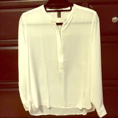 NWT White zip front blouse This is a brand-new blouse from forever 21!!! Forever 21 Tops Blouses