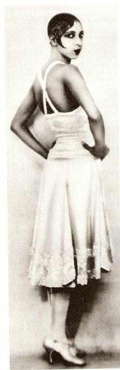 (1928) Josephine Baker                                                       …