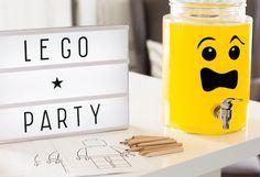 Ihana yksityiskohta legosynttäreille. #legosynttärit #lastenjuhlat #lightbox Block Party, Lightbox, Lego, Legos