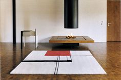 Wendingen rug by Eileen Gray, manufactured by ClassiCon - Teppich