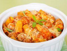 Leckere Nudelauflauf-Rezepte auf fem.com: Probieren Sie einmal dieses Rezept für Nudelauflauf mit Hackfleisch und Mais.