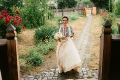 Iulia-Andrei-traditional romanian wedding_land of white deer Traditional Wedding Dresses, Traditional Outfits, Wedding Themes, Wedding Styles, Wedding Decor, Wedding Ideas, Romanian Wedding, Romanian Women, Eslava