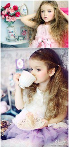 beautiful child, photo idea, lavender color pallet