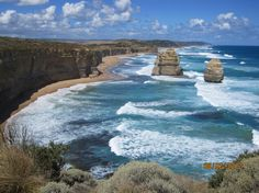 Great Ocean Road http://www.viator.com/photos/Melbourne-tours/2-Day-Combo-Melbourne-City-Tour-Yarra-River-Cruise-and-Great-Ocean-Road-Day-Trip/1946602?aid=pin1