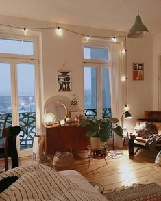 Apartment ideas college living room home 70 Ideas Cozy Apartment Decor, Dream Apartment, Apartment Living, Bohemian Studio Apartment, Apartment Ideas, Small Cozy Apartment, Vintage Apartment Decor, Apartment Interior, Apartment Therapy