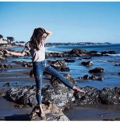 Yarım Kaldım - Photography, Landscape photography, Photography tips Beach Photography Poses, Teenage Girl Photography, Portrait Photography Poses, Beach Poses, Best Photo Poses, Girl Photo Poses, Girl Poses, Stylish Photo Pose, Stylish Girls Photos