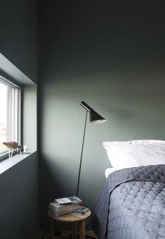 Master bedroom lighting design lamps Ideas for 2019 Bedroom Green, Modern Bedroom, Bedroom Wall, Master Bedroom, Bedroom Decor, Bedroom Lamps, Wall Lamps, Design Bedroom, Chandelier Bedroom