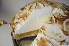 Pumpkin Meringue Pie. Making this for Thanksgiving!